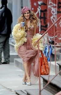 The couture hobo look. Carrie Bradshaw