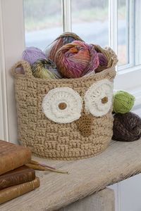 stitcherywitchery: Michelle Wilcox' free crochet pattern for the It's a Hoot Owl Container.
