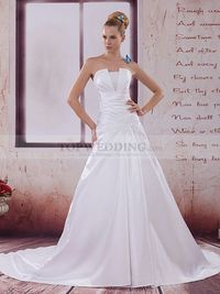 KNIFE PLEATS DETAILED STRAPLESS SATIN WEDDING GOWN