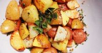 Make these super easy Oven Roasted Potatoes with Garlic and Oregano that are a perfect accompaniment to any main dish!