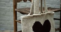 Love knitted bag