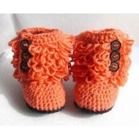Crochet baby boots inspired by UGG!