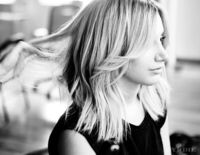 The long bob is making a serious comeback and is now officially the cut of summer 2014. Find some new hair inspiration.