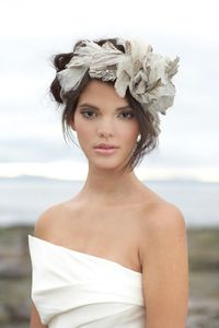 Beauty and the Beach: Dramatic Enzoani headpiece from Luly Yang Couture