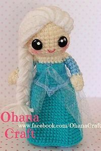 cute little crochet elsa