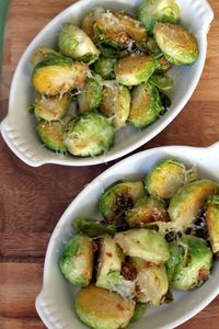 This is an interesting and delicious way to cook the Brussels Sprouts, that will make this little vegetables taste absolutely amazing. The Brussels sprouts