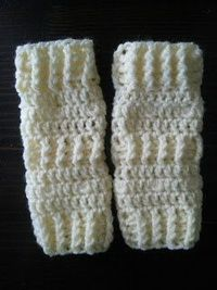 #Crochet Newborn Leg Warmers Includes link to #free #crochet pattern