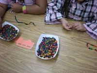 Thanksgiving - Native American necklaces, dye salad macaroni with food coloring and rubbing alcohol - Kindergarten Kiosk