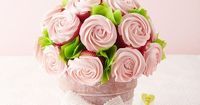 Easy Cupcake Valentine's Day Bouquet-- Made with LOVE and Cheaper than real flowers!