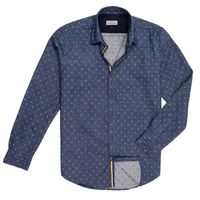 Create a stylish look with this Oxford Men light blue casual shirt. Woven in Egyptian cotton. this casual shirt has a fine finish.  �€� 100% Cotton  �€� Classic collar  �€� Full Sleeve  �€� Oxford Men  �€� Machi...