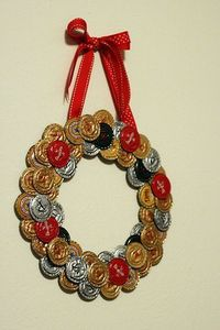 beer bottle cap wreath! Need this for the basement. Gonna have to start drinking more Leinie's.