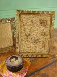 Image of Solid Shell Crochet Jewelry Frame