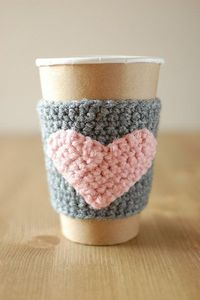 Cup cozy, Gray with Pink heart by The Cozy Project. This one is to buy, but pattern is so cute.