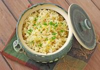 Every September Salt Lake has an amazing Greek Festival. Back in 2001 I got a pamphlet of Greek recipes from the festival. This rice pilaf is very similar to th