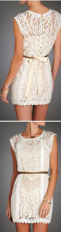 Lately I've been obsessed with lace. I just think it's a great way to combine sexy and classy and it's perfect for the summer because it lets you breathe!