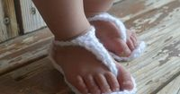 {walker whimsy}: Itty Bitty Baby Sandals {POTM} free pattern