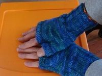 Two Hour Fingerless Gloves | AllFreeKnitting.com