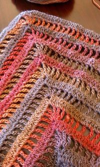 Lydia Shawl: free pattern, super easy & quick.