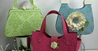 paper purses LUUUVVVVVVVVVVVVV http://inkingidaho.blogspot.com/2011/03/tres-chic-handbag-3.html