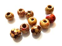 Pack of 100 Assorted Patterns Round Brown Wood Beads. 10mm Wooden Spacers for Jewellery Making £6.99
