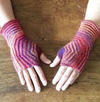 Ravelry: Hexagon Mitts pattern by Sybil R