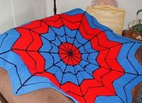 Free Pattern of a Superhero Afghan. It has the same colours as Spiderman. Enjoy this free crochet pattern.