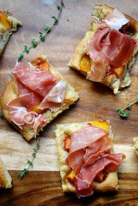 food blogs, focaccia and peaches.
