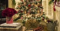 Red, silver and jute ribbon Christmas tree, live garland