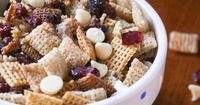 Brown Sugar-Caramel Chex Mix (use rice/corn chex instead of wheat chex cereal) | #glutenfree