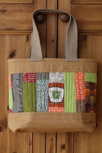 I eventually want to be able to make this...Little Island Quilting: Thoughts on bags