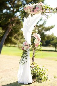 This beautiful Palos Verdes cliffside weddings is one of our favorite classic styles.