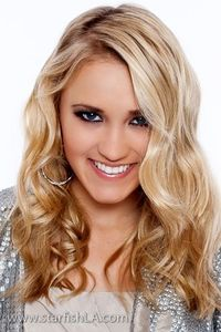 Emily Osment= perfection.....