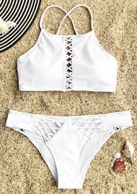 Planning for a weekend escape or a beach vacation? Cupshe Guardian Angel Lace-up Bikini Set will give you a totally new experience. Stand from the crowd and all eyes on you. FREE shipping! Check now.