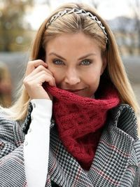 Lattice Cowl | Yarn | Free Knitting Patterns | Crochet Patterns | Yarnspirations