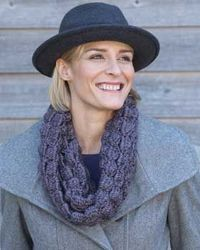 Soft and glamorous cowl with rich texture. Shown in Bernat Alpaca.