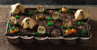 "Pull Apart Graveyard Cupcakes: Although it looks almost like a cake, this graveyard is made up of individual cupcakes, making it a self-serve party option. Just grab your cupcake and go �€"" no knives necessary."