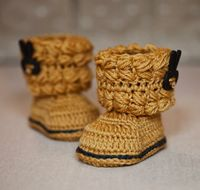 Easy Cable Boots pattern by Mon Petit Violon on Craftsy.com