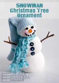 Snowman Christmas Tree Ornament - Come see how I made this adorable snowman Christmas tree ornament! You might be surprised how easy it is, and what I made it with! #Christmas, Christmas-crafts, Crayola-Model-Magic, Crayola-Model-Magic-crafts, handmade-Ch...