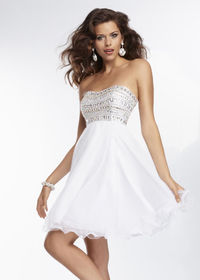 Flowing Strapless Chiffon A Line Beaded White Cocktail Dress