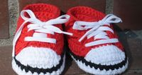 If only I could knit! These would be soo cute for Xander!!