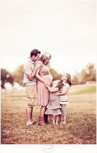 cute maternity picture