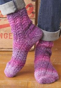 This delicate spiraling lace pattern is a stand-out in the heathered shades of Patons Kroy Socks FX.