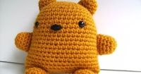 wish I could get a pattern for a bear like this one. maybe i'll just have to make one myself.