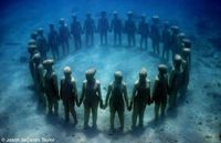 under water sculptures by Jason deCaires Taylor