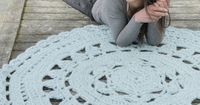Ice Rose Rug By DROPS Design - Free Crochet Pattern - (garnstudio)