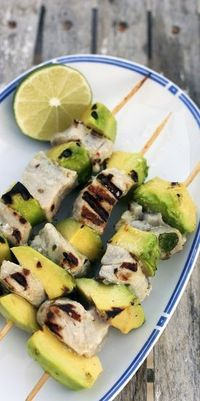 Grilled chicken and Avocado... a perfect #summer #recipe! /ES #polkadotpeacock