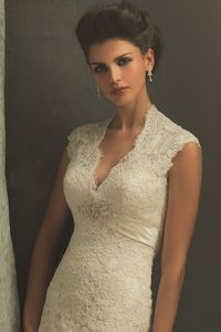 Used Allure Allure C155 Size 8 Size 3 for $900. You saved 40% Off Retail! Find the perfect preowned dress at OnceWed.com.