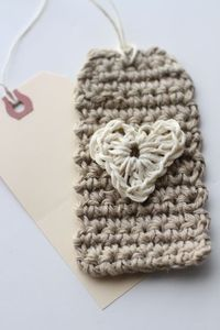 Crocheted Tag & Heart Tutorial.