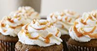 pumpkin spice latte cupcakes... yummy for a thanksgiving dessert