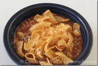 Hi all, I hope you're looking forward to a lovely weekend! I know I am thrilled it's Friday! Been a long week over here, and so I needed a quick and easy dinner that didn't require a lot of thinking on my part. Enter yummy homemade chili...